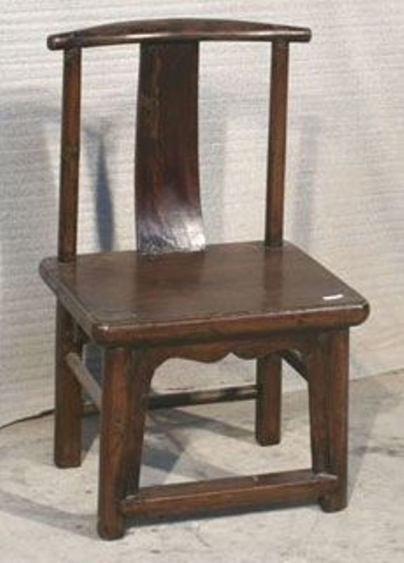 petite chaise in bois dorme archieven asia antiques. Black Bedroom Furniture Sets. Home Design Ideas